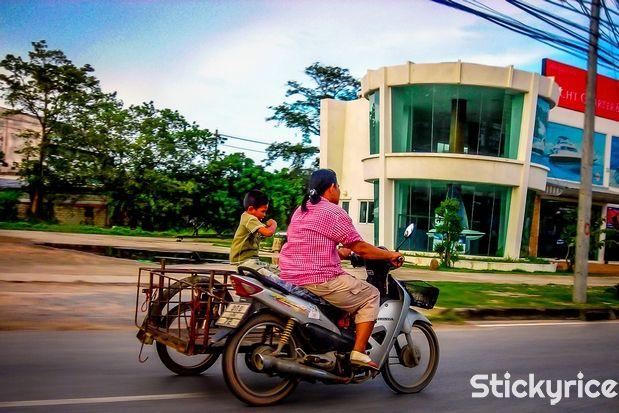 ¿Cual es el mejor momento para visitar #Phuket? El tiempo en #Phuket y su previsión meteorológica es uno de los factores a tener en cuenta a la hora de visitar la perla del sur de #Tailandia. http://phuket.stickyrice.co/el-tiempo-en-phuket Phuket