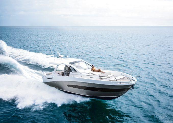 Iate esportivo da Azimut Yachts agora em águas brasileiras.Após sucesso no mercado internacional, a Azimut Verve 40 atrai atenção dos clientes do Brasil.