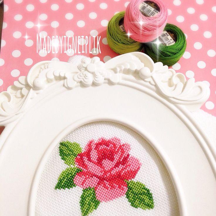 Cross stitch / rose