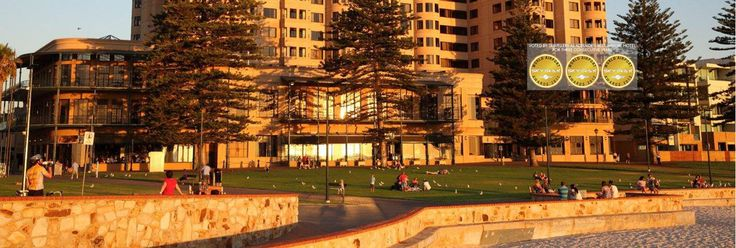 Stamford Grand Adelaide   220 guest rooms, conference facilities for up to 750 delegates and the largest ballroom  features with spectacular panoramic views of the ocean
