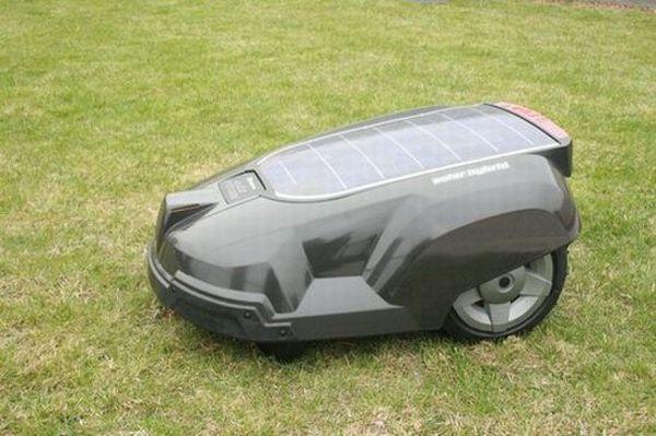 solar powered robotic lawn mower. amazing.