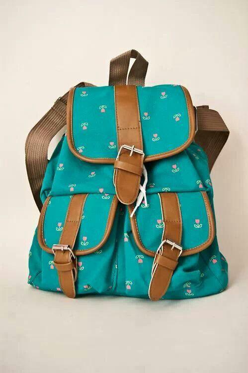 que les parece esta mochila con muchos bolsillos para poder guardar todo lo que quieran