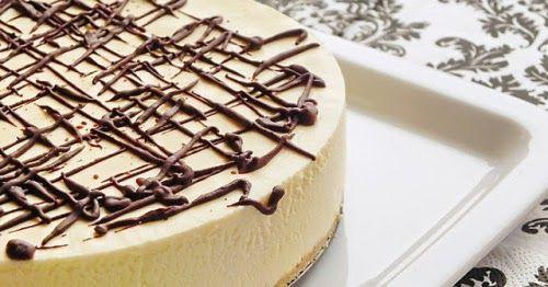 Ha nincs kedved sütni, ez a neked való desszert! Ínycsiklandó és egyszerű, mégis nagyon jól mutat, a vendégeket le lehet vele nyűgözni! ...