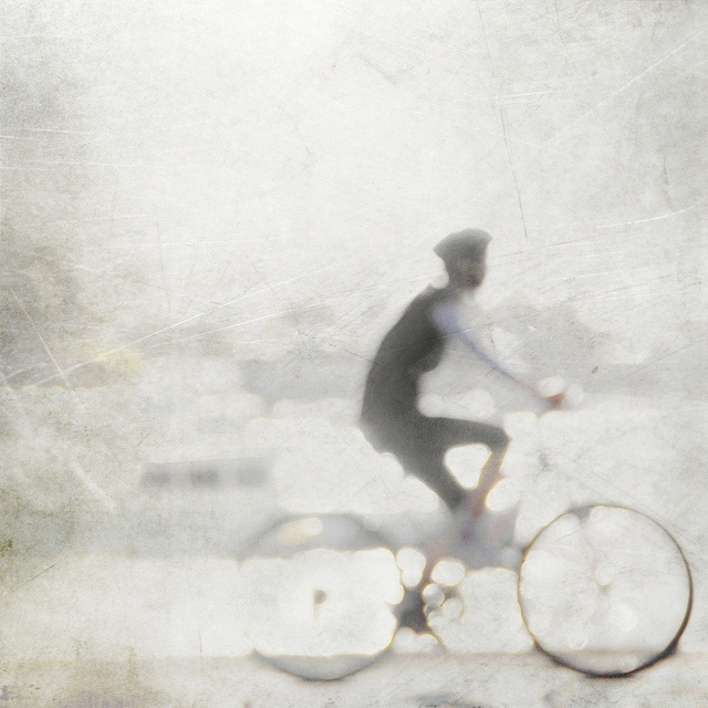 oio..by m-YC/flickr