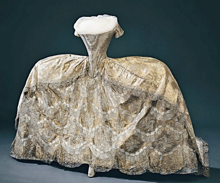 Sofia Magdalenas Wedding Gown Robe De Cour Worn At The Palace