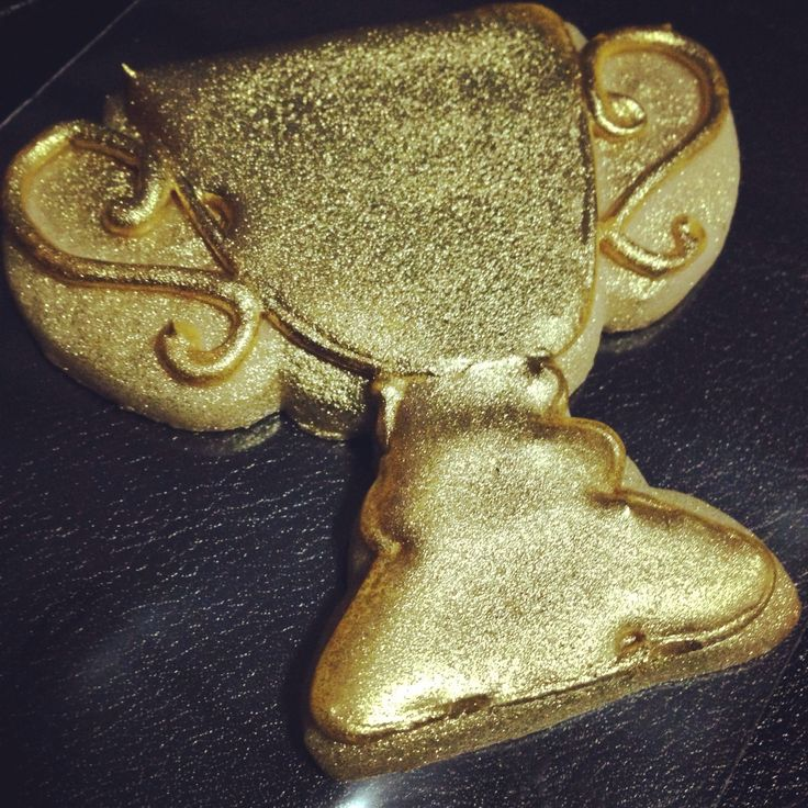 Gold trophy cookies by How Sweet It Is Ny