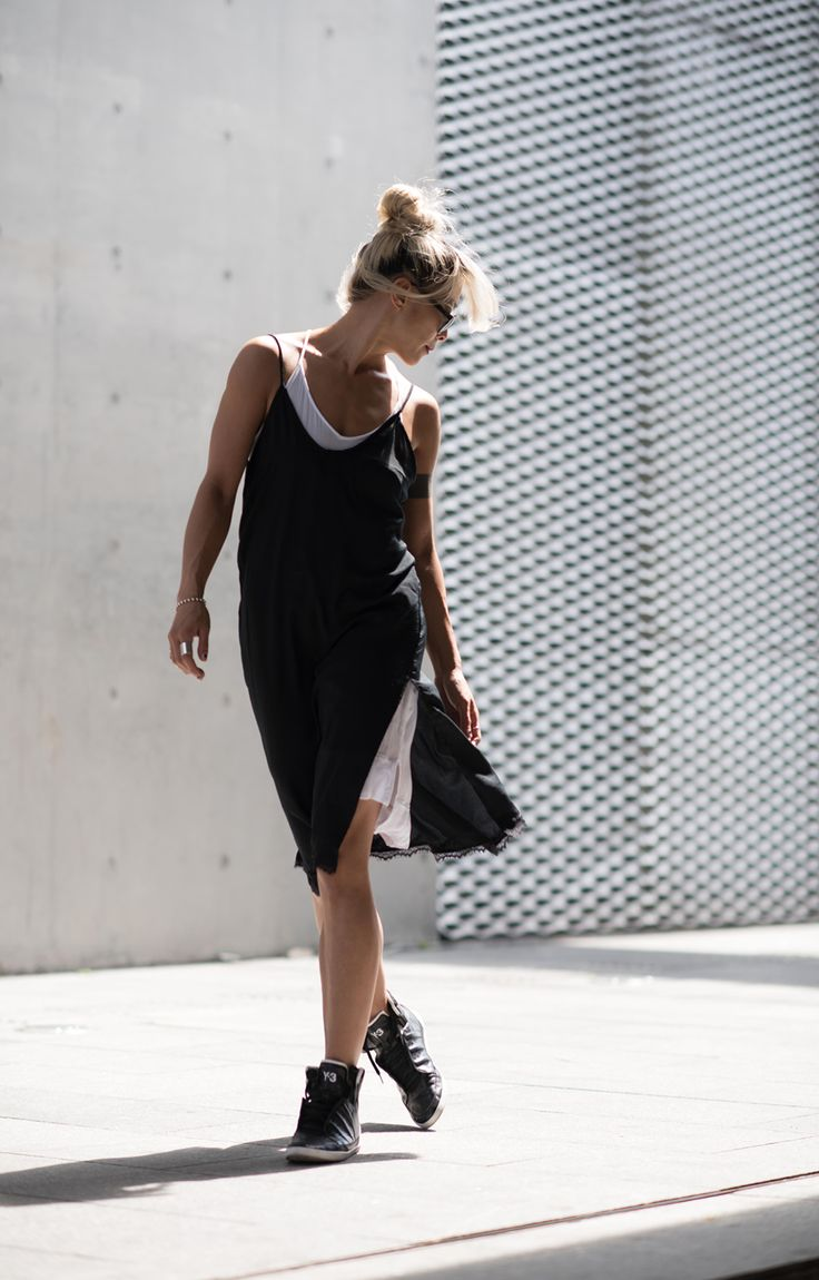 Unlikely Athleisure – Your slip dress can even be worn in a sporty way! Here we layered two dresses over one another & slipped on some high top kicks for an unexpected athletic look. I wouldn't recommend working out in it though! ;) #slipdress #dress #1item5ways #mix&match #styling #creative #looks #summerfashion #summer #fashion #womensfashion #trend #linen #athleisure #closet #ruicheng #VISIONAIRE