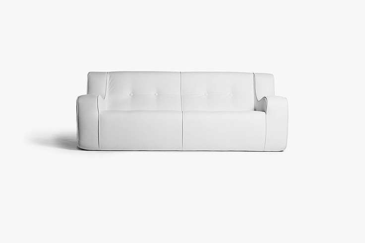 Domino with armrests