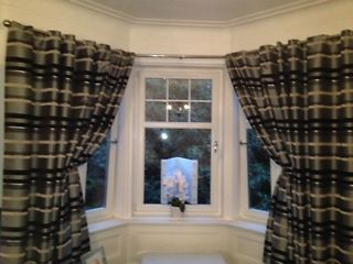 2 YEAR OLD HAND MADE LOOP CURTAINS Kirkintilloch Picture 1