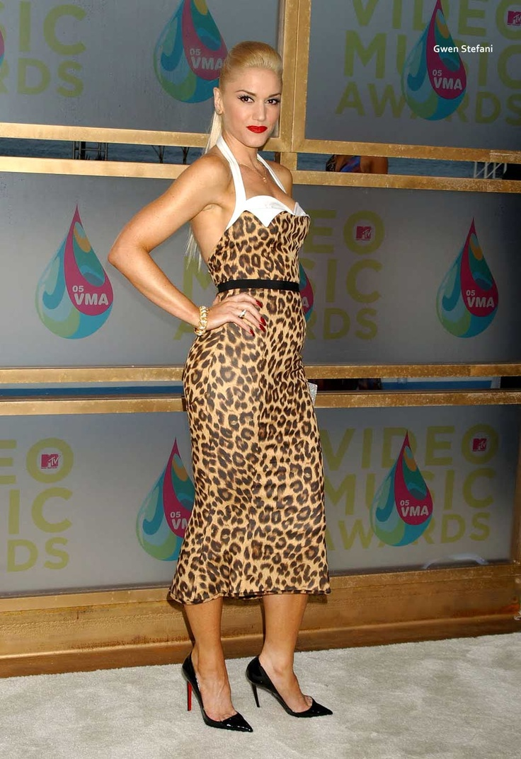 She Always Had Really Nice Makeup: She Always Looks Excellent! I Love Her Style!-Gwen Stefani