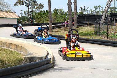 10 Fun Things to Do in #GulfShores with Kids: Play Mini Golf or Laser Tag