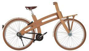Bicicleta elétrica de madeira - O projeto é dos holandeses Piet Brandjes e Jan Gunneweg, que utilizam madeira de carvalho, proveniente de áreas de reflorestamento na França, para criar a bike. Além disso, os modelos vêm com um motor elétrico de 225 watts, o que dispensa o uso de combustíveis fósseis e facilita a vida do ciclista mesmo que haja subidas pelo caminho. A bike chega a 24 km/h e percorre até 48 km com uma só carga de bateria.