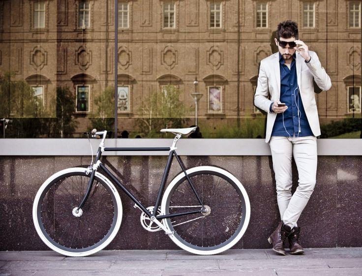 Bicicletta Pagani Duecentodue 202 - Strade di Torino #thebikeeffect #bikeisthenewblack