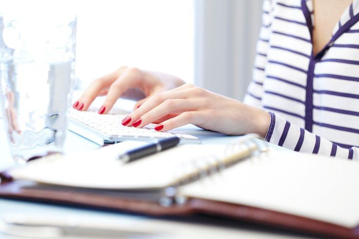 Tee+töitä+seisten+–+Tutkimus:+Toimistotyöntekijät+voivat+laihtua+useamman+kilon+vuodessa+seisomalla+töissä