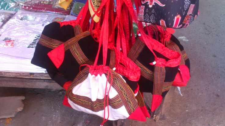 Sepu' . Toraja traditional bag.