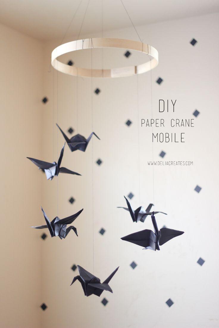 les 25 meilleures id es de la cat gorie grue mobile de papier sur pinterest mobiles d 39 origami. Black Bedroom Furniture Sets. Home Design Ideas