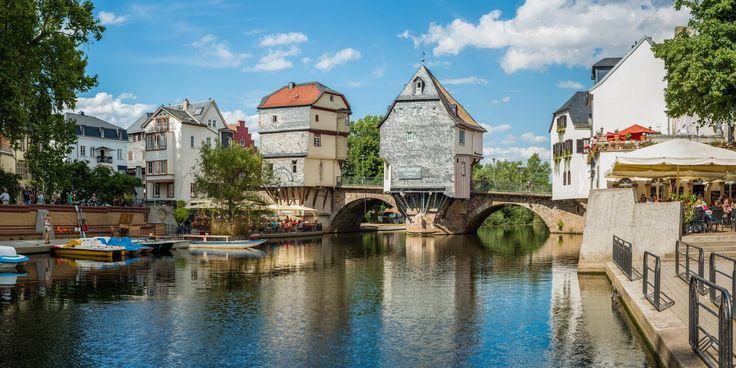 Bridge houses in Bad Kreuznach Germany [2160x1080]