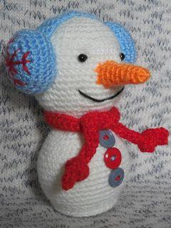 Снеговичок в наушниках