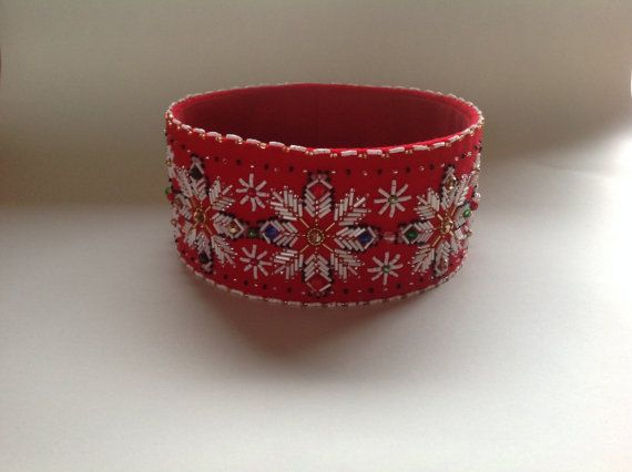 Handmade ethnographic crown with Latvian writings by Capsis