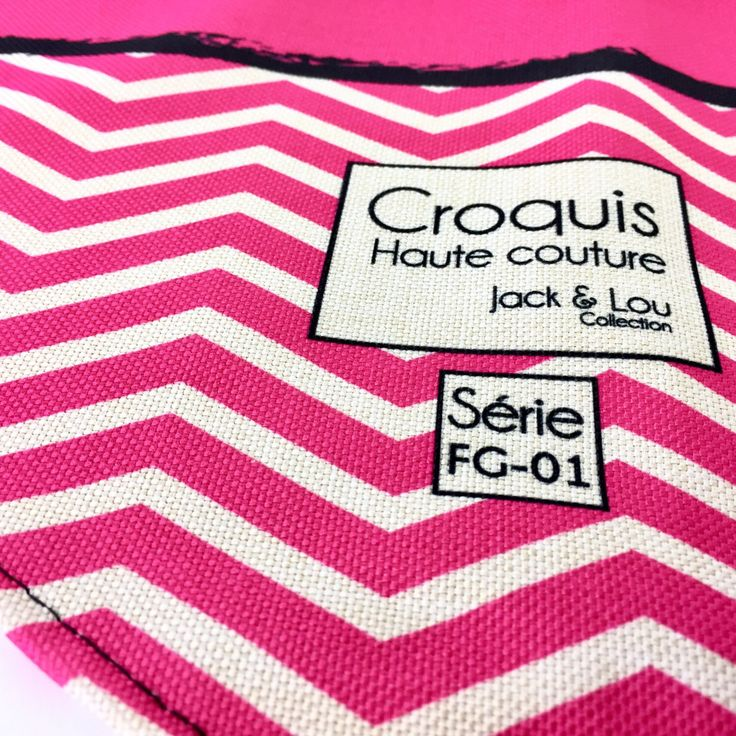 Le chouchou de ma boutique https://www.etsy.com/ca-fr/listing/500185542/foulard-pour-chiengrandeur-grand-foulard