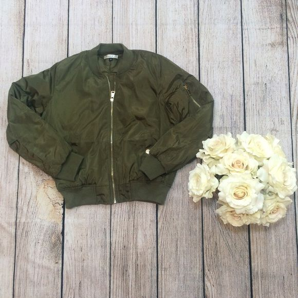 Kardashian Inspired Olive Green Bomber Jacket M ✨ Kim Karsashian / Kylie Jenner inspired bomber jacket. Size M. Fits a small medium or a true medium. Ships next day. Will drop down price to $55. Jackets & Coats