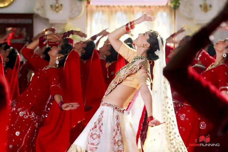 Hot Sonam Kapoor In Prem Ratan Dhan Payo Movie | PRDP Movie Wallpapers, Photos