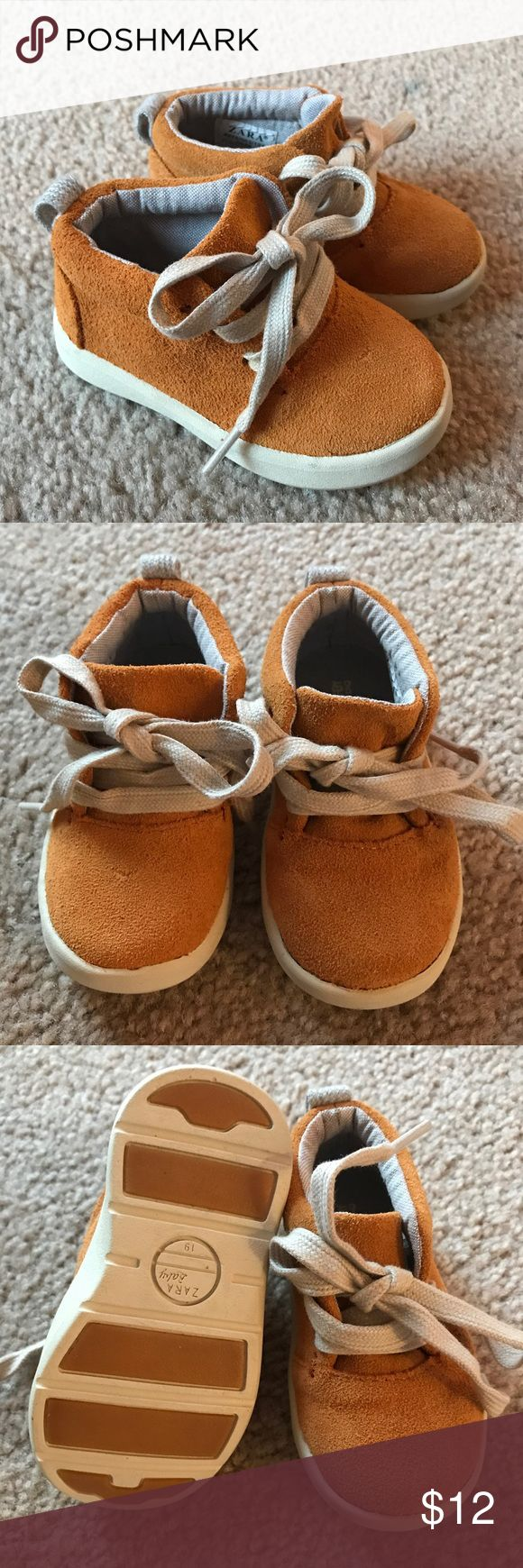 Zara Baby Shoe Size 3 1/2 - UK 19 In almost new condition. Gender neutral, perfect for fall. Zara Shoes Baby & Walker
