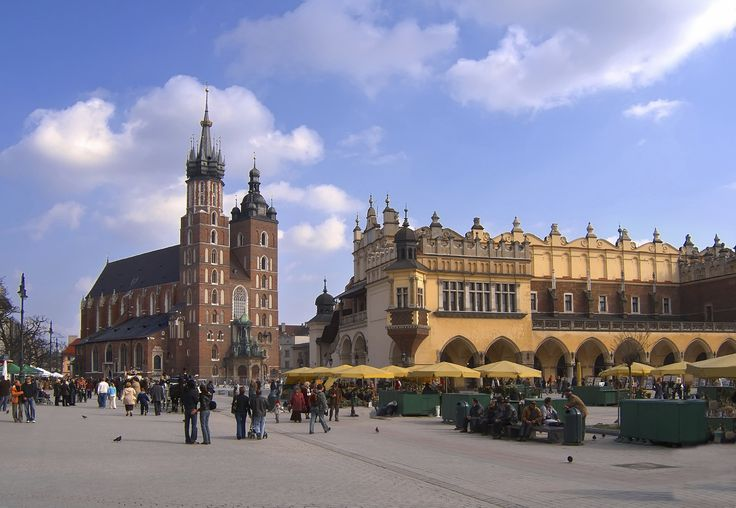 Krakow old town square and St Mary's church! Krakow, Krakow, two direct hits!!!