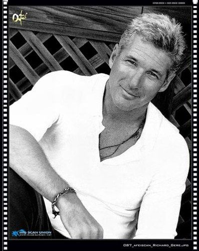 Google Image Result for http://imstars.aufeminin.com/stars/fan/richard-gere/richard-gere-20050421-36007.jpg