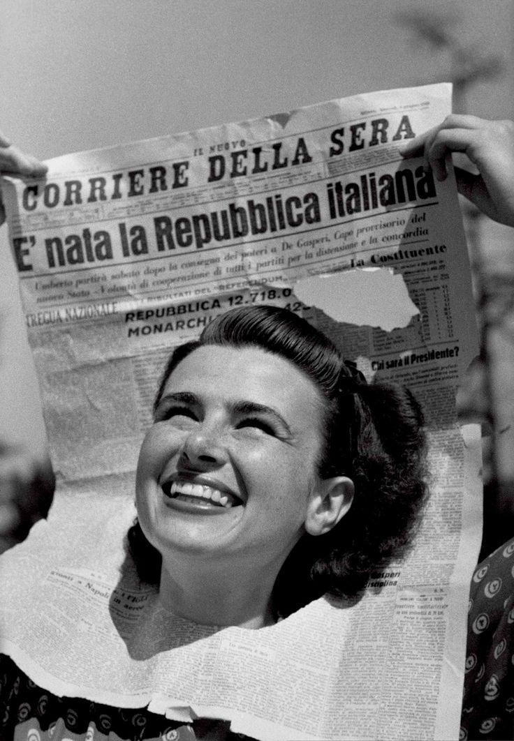 La copertina della rivista Tempo, numero 22 del 15-22 giugno 1946, dopo il referendum del 2 giugno vinto dai voti favorevoli alla repubblica. - (Federico Patellani, Palazzo Madama)