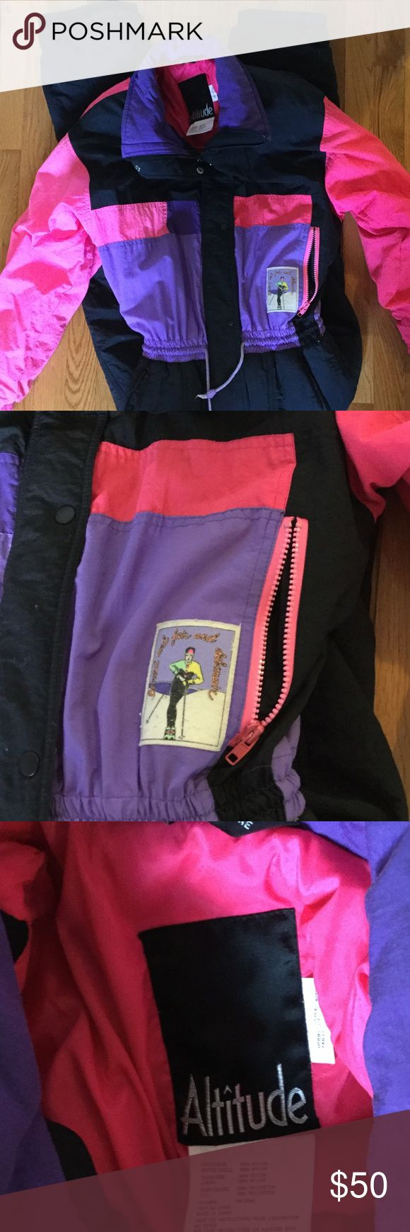 """Vintage 80's ski suit Great condition, no tears or stains. I'm about 5'10"""" and it fits me perfectly Other"""