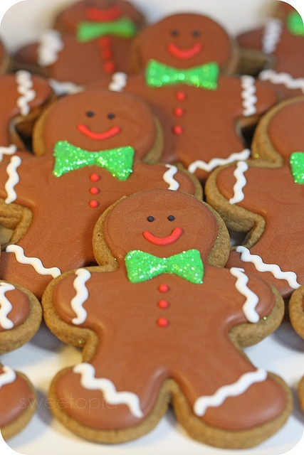 Gingerbread men cookies. No recipe...I just  LOVE how these are decorated