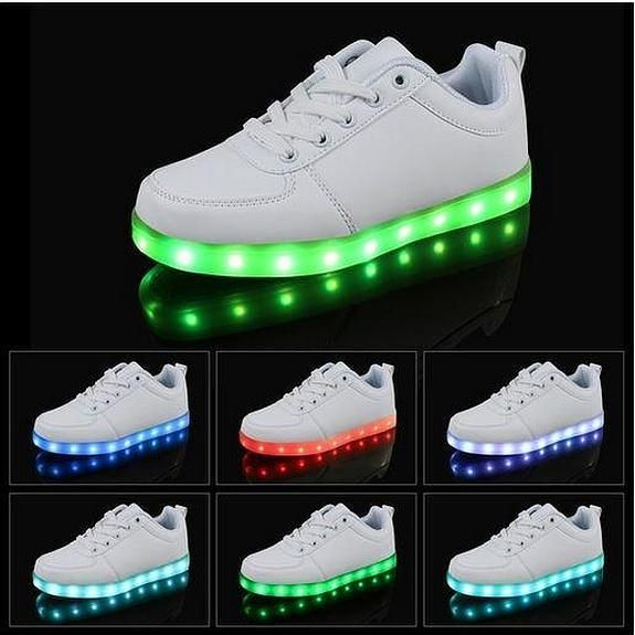 Las zapatillas con luces Led causan furor por Reyes