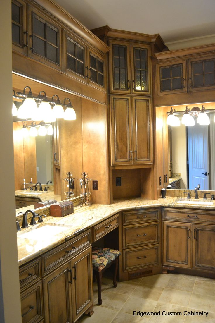 Fantastic The Master Bathroom Where You Have To Decide Between A Soak In The  The Laundry Room Is A Separate Room On The Second Floor With Oodles Of Cabinets AND, Did You Happen To Notice That There Are No Lights Turned On In The Laundry