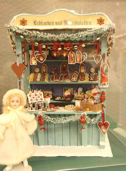 §§§ . A miniature German Christmas market stall filled with gingerbread, exhibited by Sue Herber at the Spring 2009 Seattle Dollhouse Show.