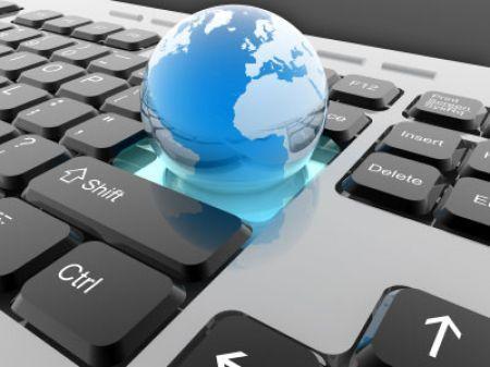 """PA digitale, l'Italia (ancora) al palo: solo il 36% dei cittadini usa gli """"sportelli"""" online"""