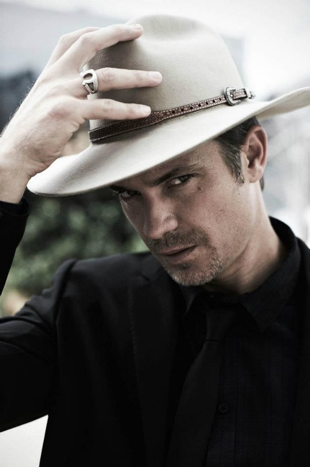 Timothy Olyphant as Raylan Givens ♥