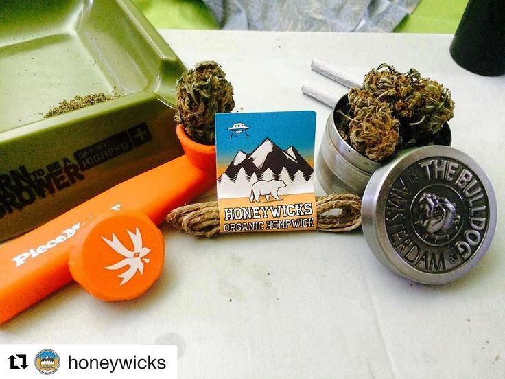#Repost @honeywicks with @repostapp  Mejora tu experiencia de consumo con @honeywicks  www.honeywicks.cl #prendeconhoneywicks @expoweed Blaze your own trail. #piecemakergear.com #piecemaker #blazeyourowntrail #byot #expoweed #puentealto #chile #santiago #vivachile #instachile #buenosdias #marihuana #marijuana #bong #420 #stoner #headshop #moderntrail #siliconebong #adventureanywhere #weedstagram #uruguay #hightimes #cannabischile #bigindustryshow #montevideo  #champstradeshow  @en_vola…