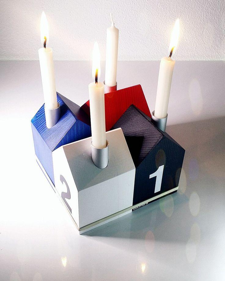 Adventskranz mal anders. Mit den Kerzenhäuschen (in 13 Farben) ist man schnell fertig. ... und es nadelt nichts. www.cultform-shop.de #adventskranz #häuser #design #weihnachtsdeko #handmade #Germany