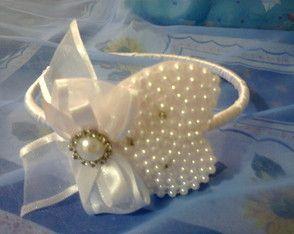 tiara-bordada-com-perolas-tiara-de-coracao-bordado