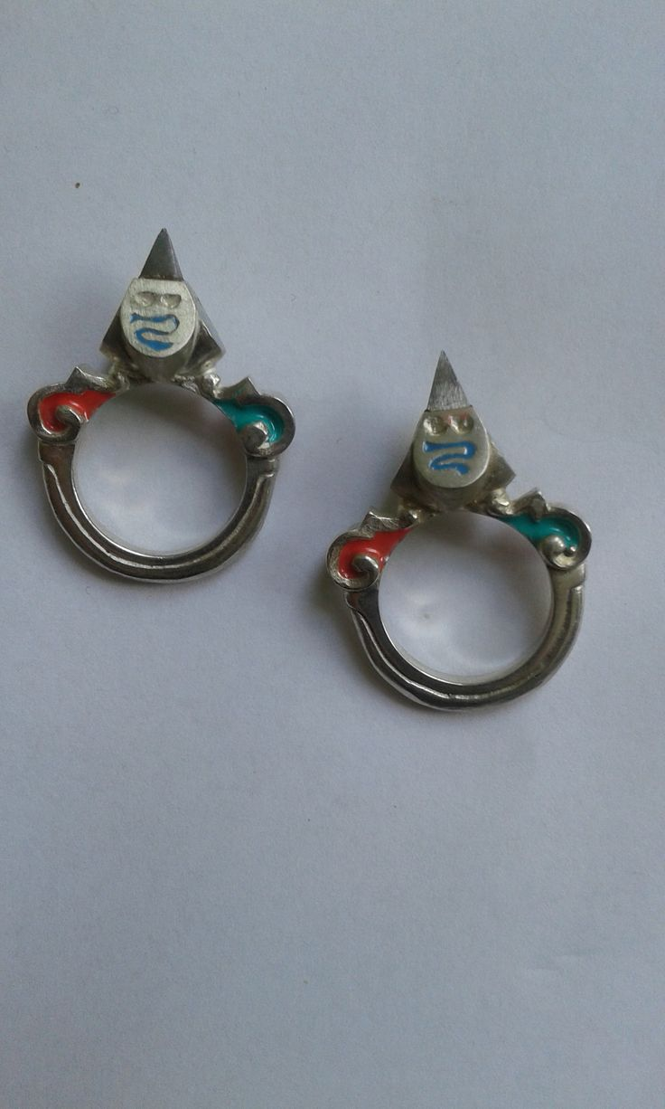 silverrenaissance rings with steel stone and enamel, 16th C experience