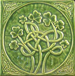 tiles shamrocks celtic: Celtic Clovers, Clovers Tile, Tattoo From Celtic Ireland, Shamrock Tile, Celtic Knot, Art Tile, Green Knot, Inspiration Art, Celtic Inspiration
