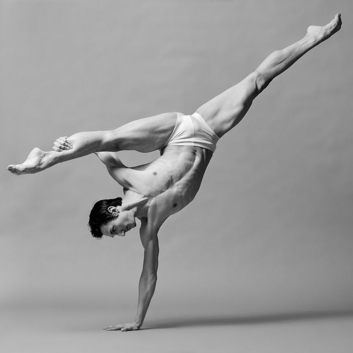 ♥ Pure Strength- A-mazing!: Dance Photography, The Human Body, Beautiful, Male Dancers, Ballet, Fit Anatomy, Yoga, Amazing Strength, Handstand