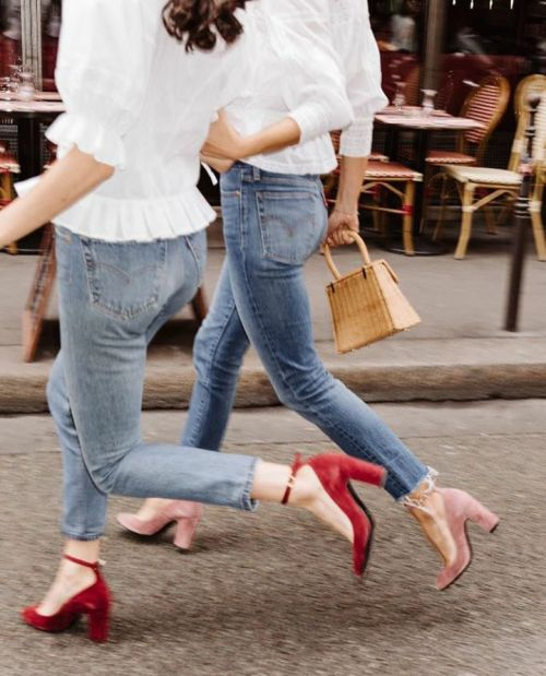 Street Style www.emfashionfiles.com https://ladieshighheelshoes.blogspot.com/2016/10/womens-shoes.html