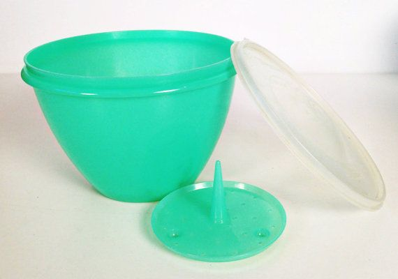 Tupperware lettuce keeper bowl with spike and lid by forrestinavintage, $14.00