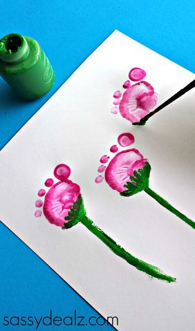 Flower footprint craft. Festive and adorable. (And who doesn't love getting a little messy in the name of art?)