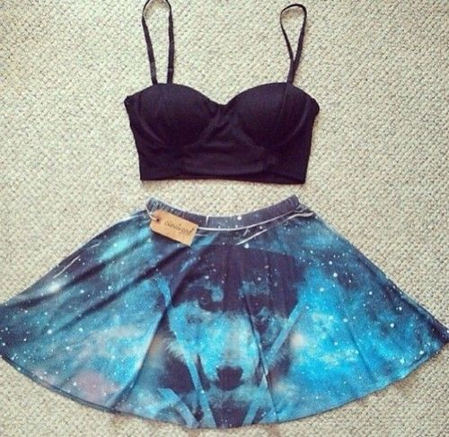 galaxy skirt<<<< WHIT A DOG????