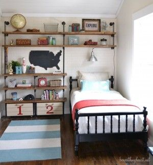 What a great use of a lack of space in a little boy's room!
