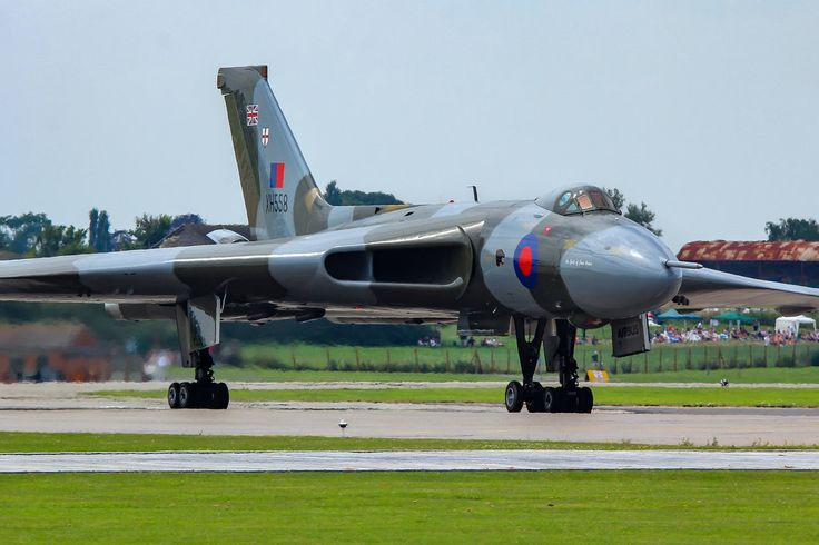 Avro Vulcan B.2 by Daniel-Wales-Images