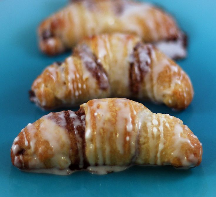 Cinnamon Crescent Rolls.  I hope they've fixed the link this time.